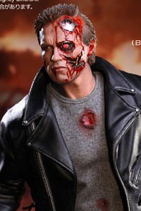 Hot Toys Movie Masterpiece Terminator T-800 Battle Damaged Ver. 1/6 Action Figure